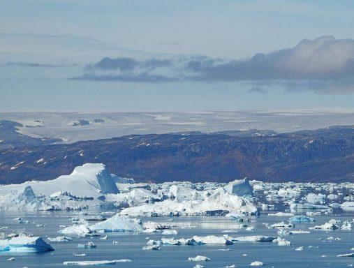 IJsbergen in Sermilik
